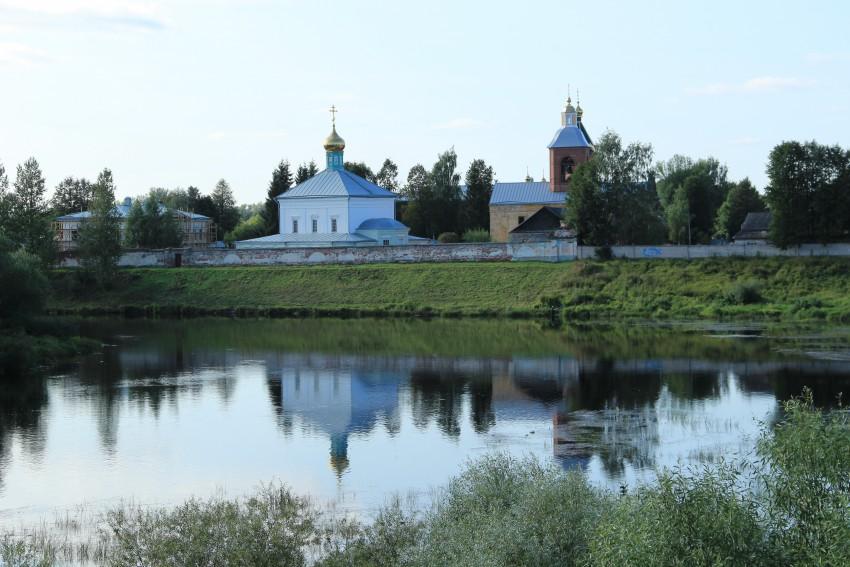 Свято-Духов Иаковлев Боровичский монастырь.